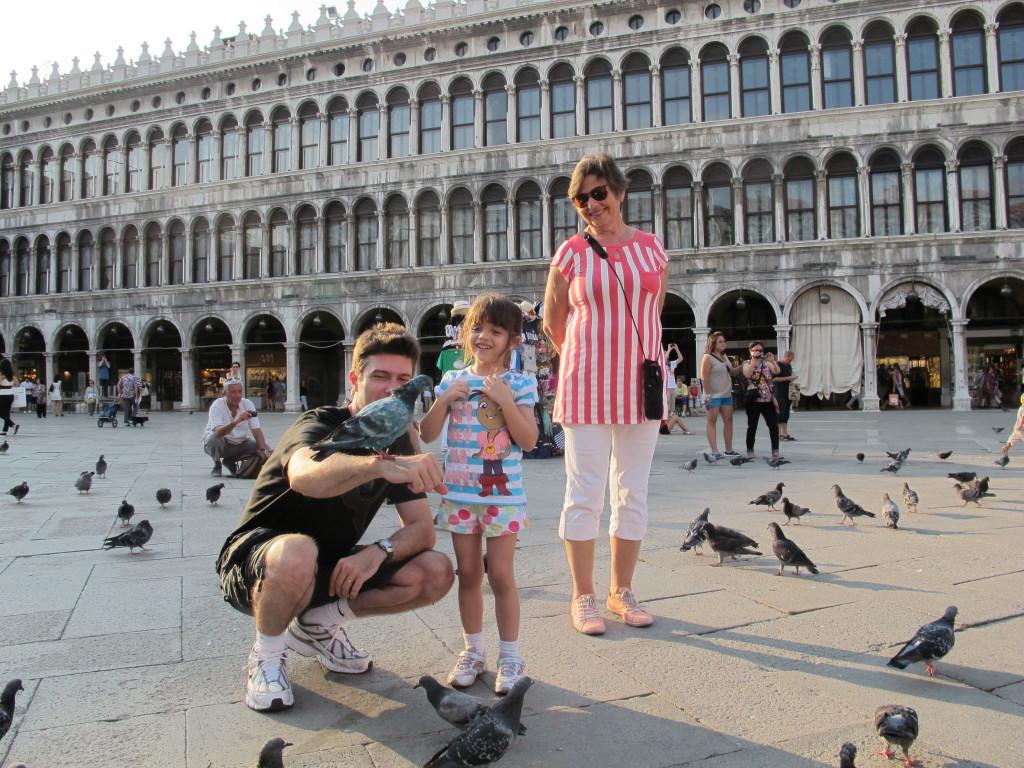 Ellerim ficou completamente apaixonada pelos pombos!