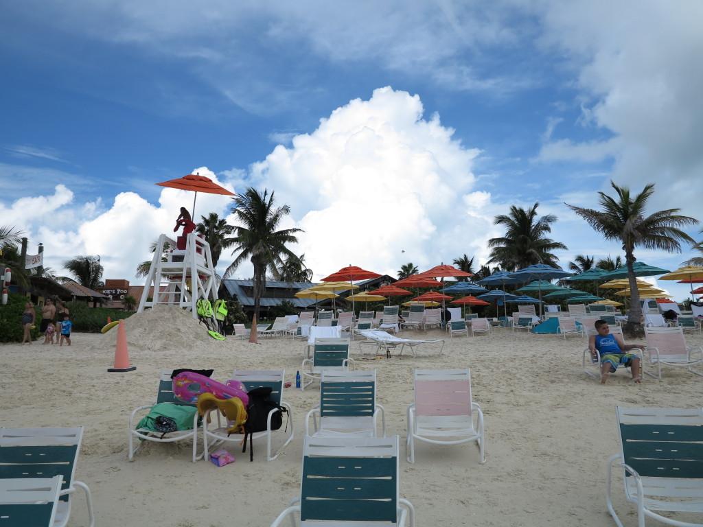 Muita areia para pegar sol (não esqueçam o protetor solar!)