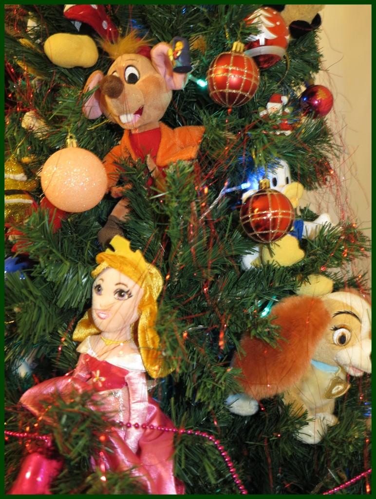 Decoração com personagens da Disney na nossa Árvore de Natal