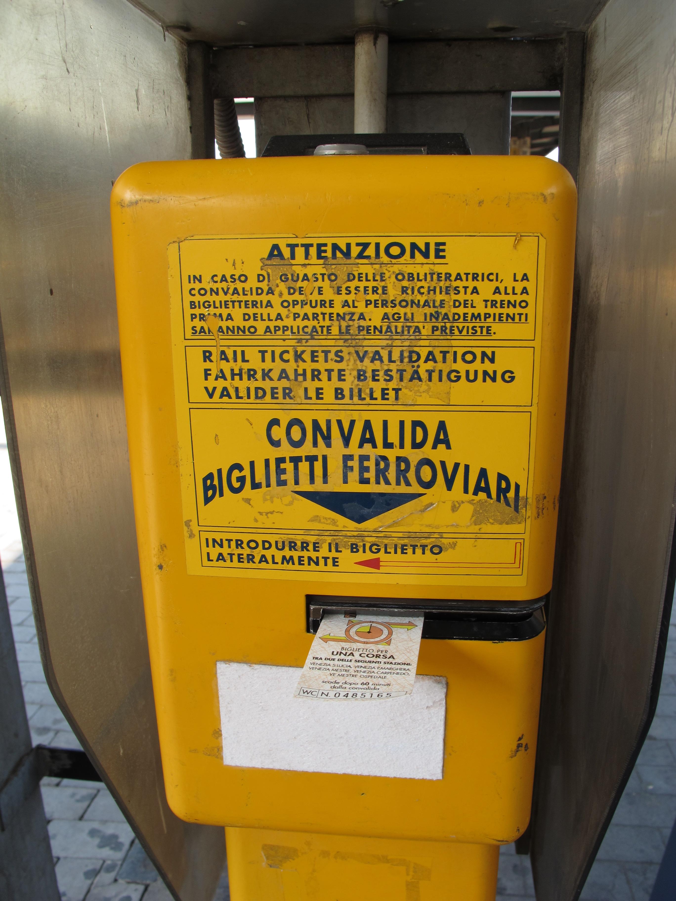 Máquina para Validar Tickets, esta em Veneza Mestre