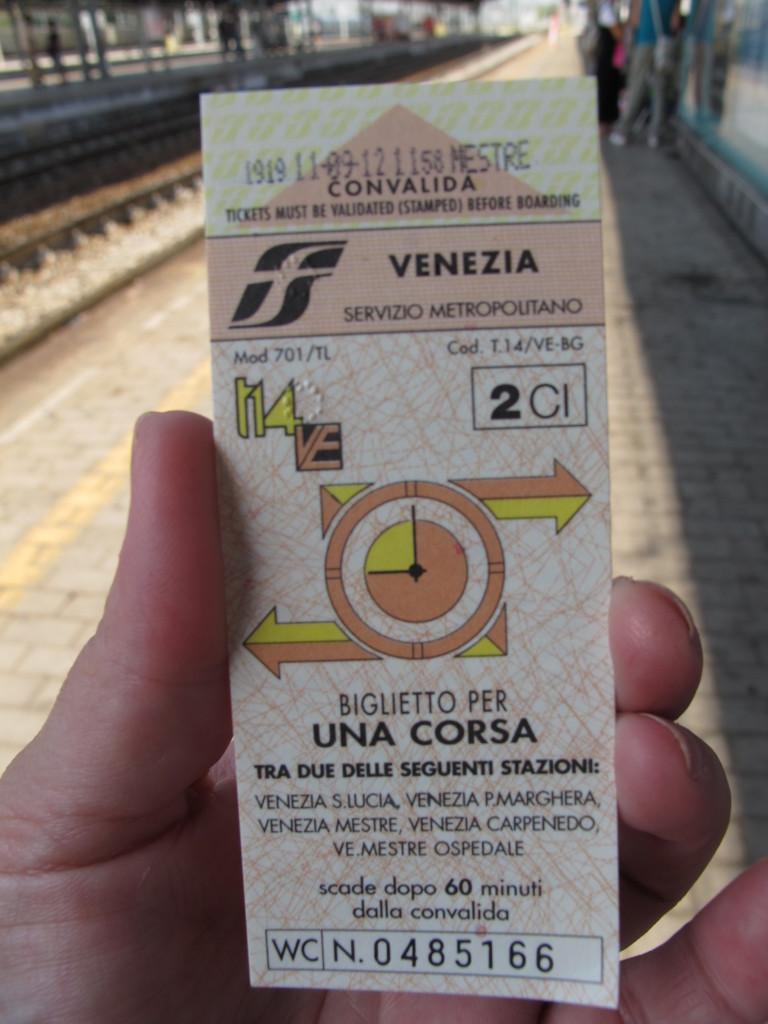 Ticket validado (em cima com a data e hora)