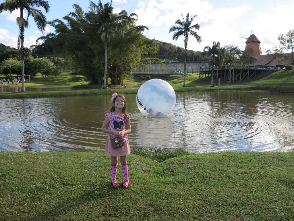 Parque Expoville Atividades - brincadeiras no lago