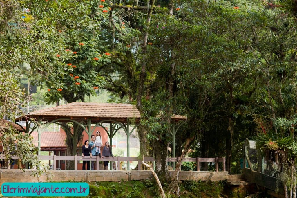 Parque Zoobotânico de Joinville - espaço de contemplação com palco.