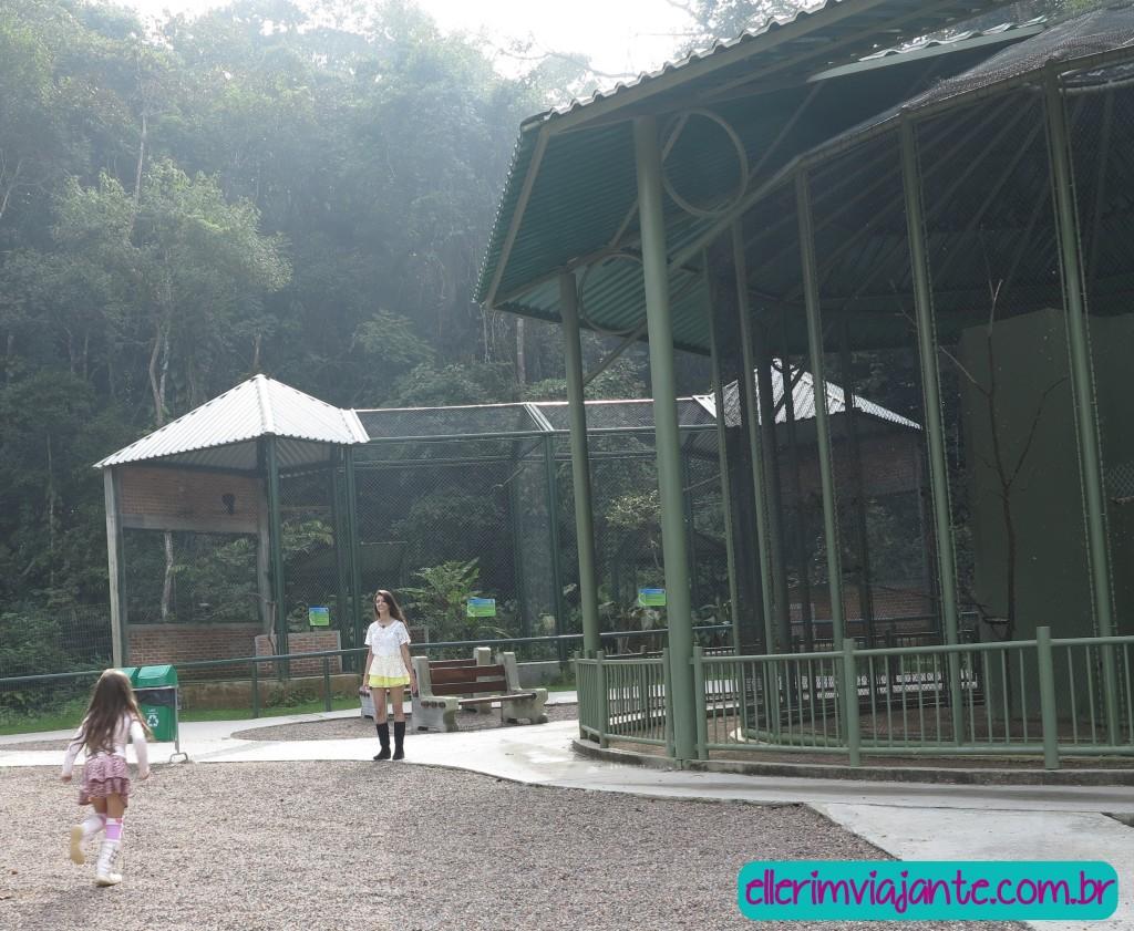 Parque Zoobotânico de Joinville - Viveiros com mais de 40 aves.