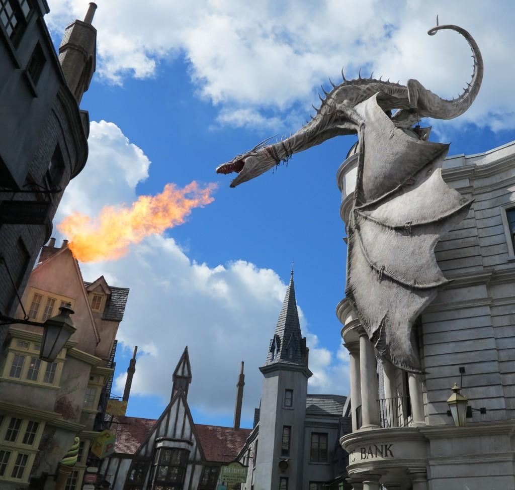 A emoção de ver o dragão soltando fogo pela primeira vez!