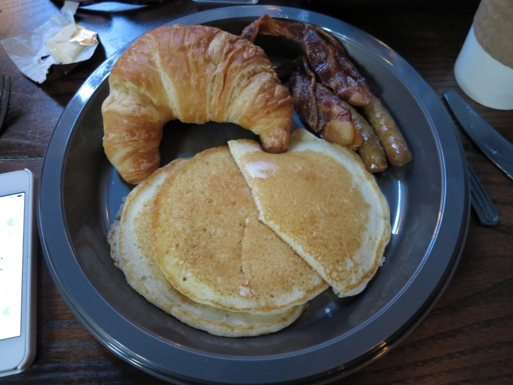 E meu delicioso café da manhã do Caldeirão Furado!