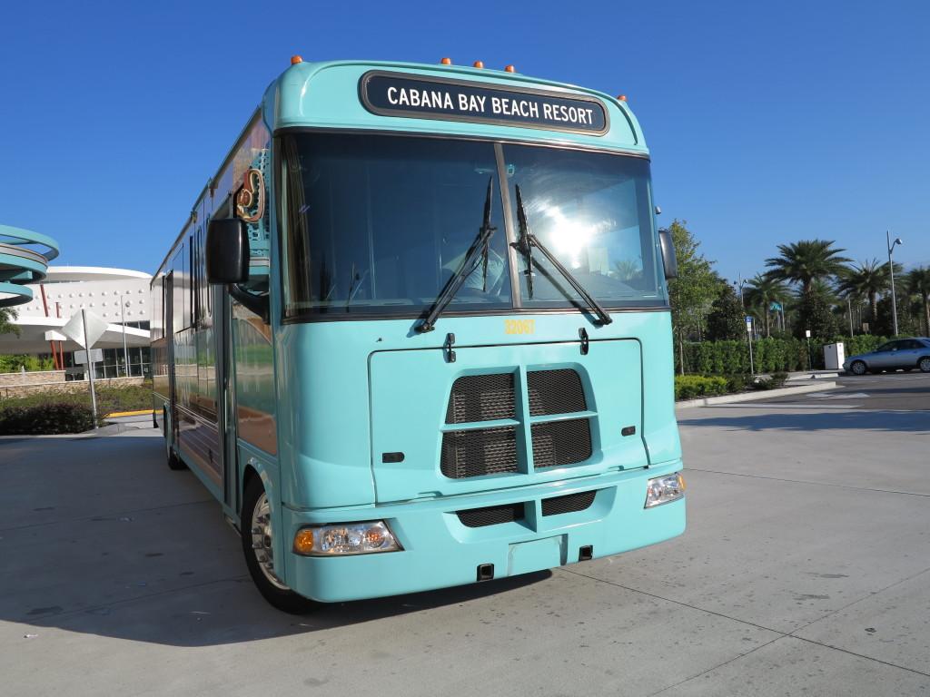 O ônibus super charmoso, tudo a ver com o hotel!