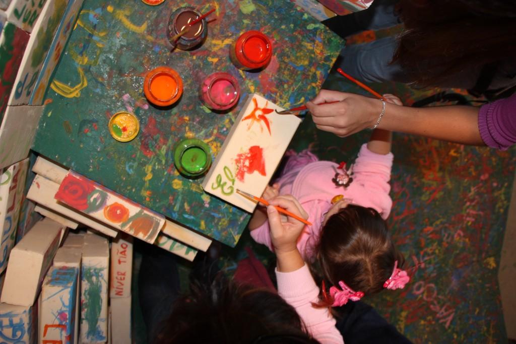 No Interior da Fábrica do Papai Noel as crianças podem fazer algumas atividades
