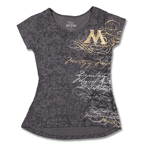 Camiseta Ministério da Magia e várias outras entre  US$ 25 e  US$ 40