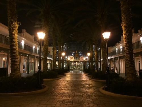 De noite o hotel consegue ser ainda mais charmoso