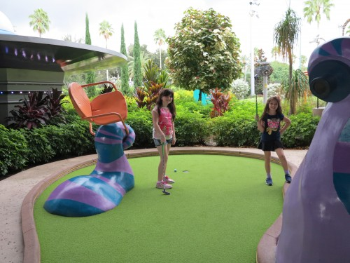 Hollywood Drive-In Golf em Universal CityWalk
