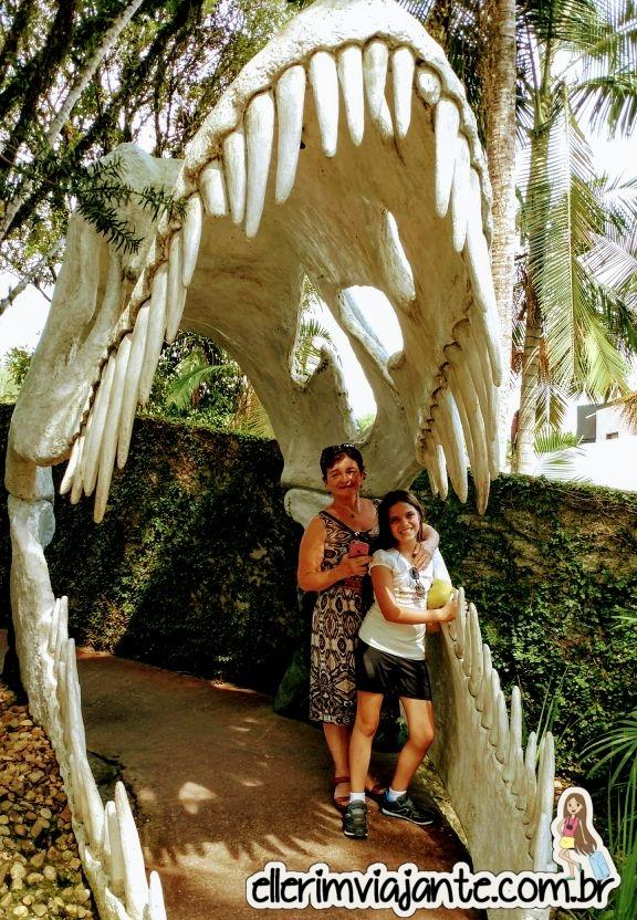 dinosaur theme park