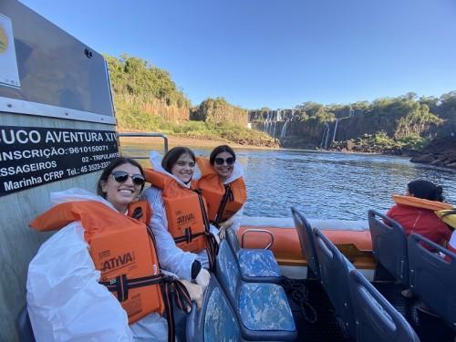 No Barco Macuco Safari - última fileira - o lugar menos molhado