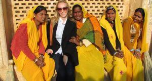 Em toda a Índia é muito comum os locais pedirem para tirar foto com a gente. Neste caso foi ao contrário! Achei elas tão vibrantes que pedi pra tirar uma foto. As mulheres em Jaipur são muito coloridas!