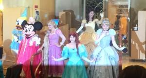 Uma festa com todas as princesas só para meninas especiais!!!